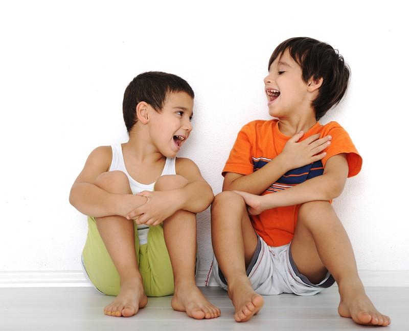 Niños sonriendo con el tratamiento Airflow